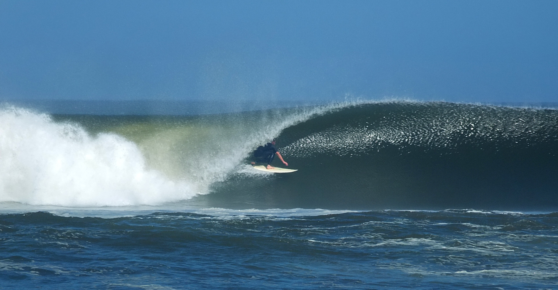 SURFING CHICAMA